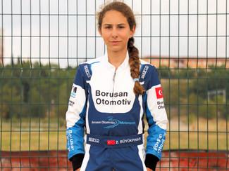 Zeynep Büyükpınar: Otomobil sporlarına tutkuyla bağlı bir genç kız