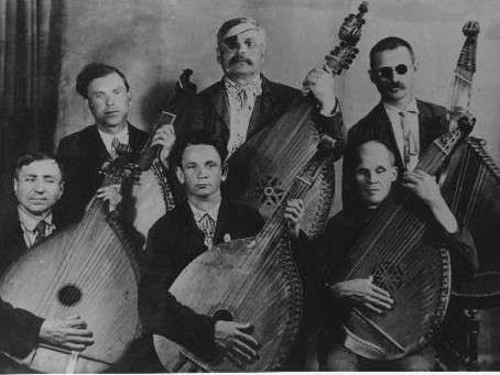 The Lute, the Hurdy Gurdy and the Magic Harmonica: The blind minstrels of Ukraine