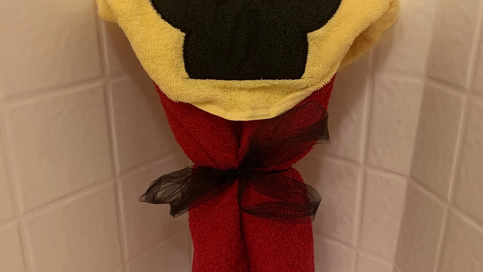 Simple Mickey embroidered hooded towel