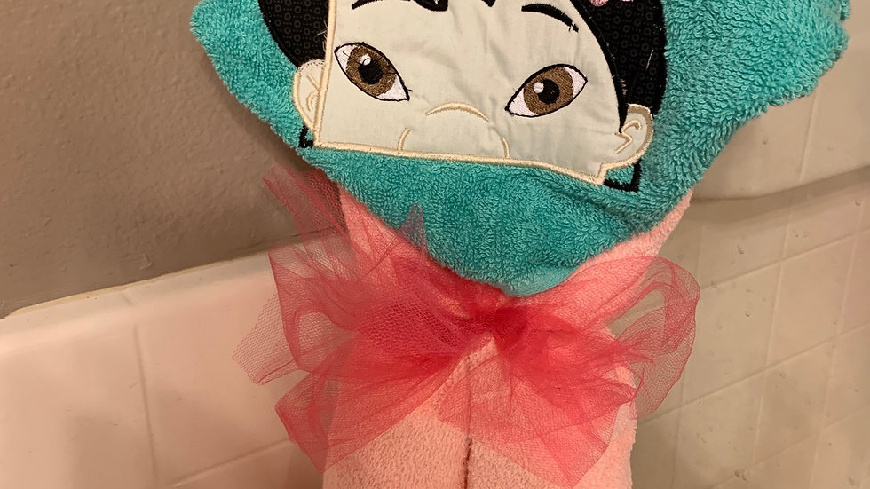 Lilo embroidered hooded towel