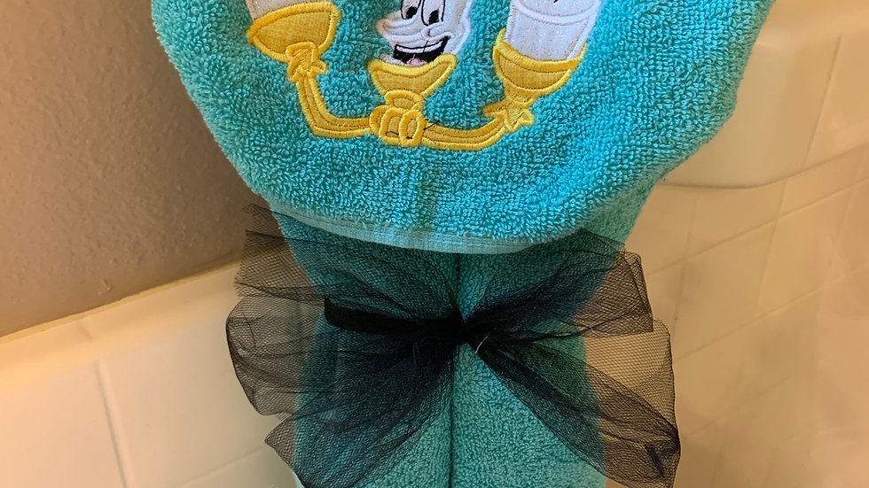 Lumier embroidered hooded towel