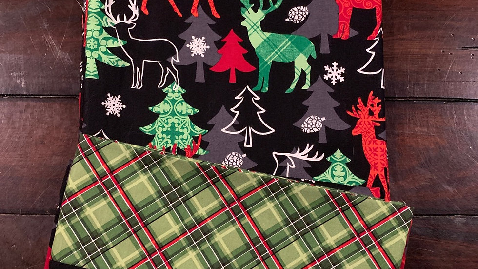 Plaid reindeer standard pillowcases - Free name embroidery
