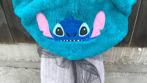 Stitch hooded towel