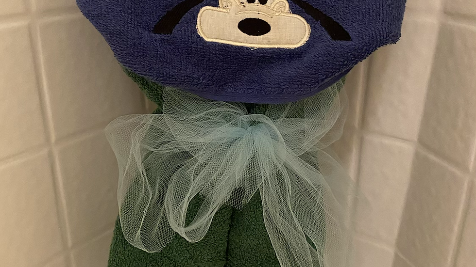 Goofy embroidered hooded towel
