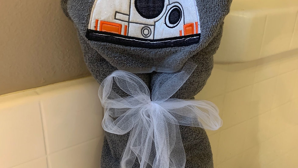 BB8 embroidered hooded towel