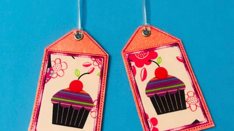 Cupcake embroidered luggage tag