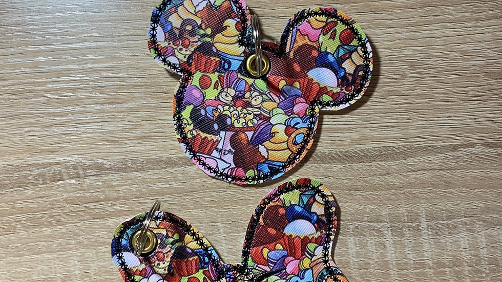 Main Street Snacks Minnie Bow or mickey head  Bag Charm