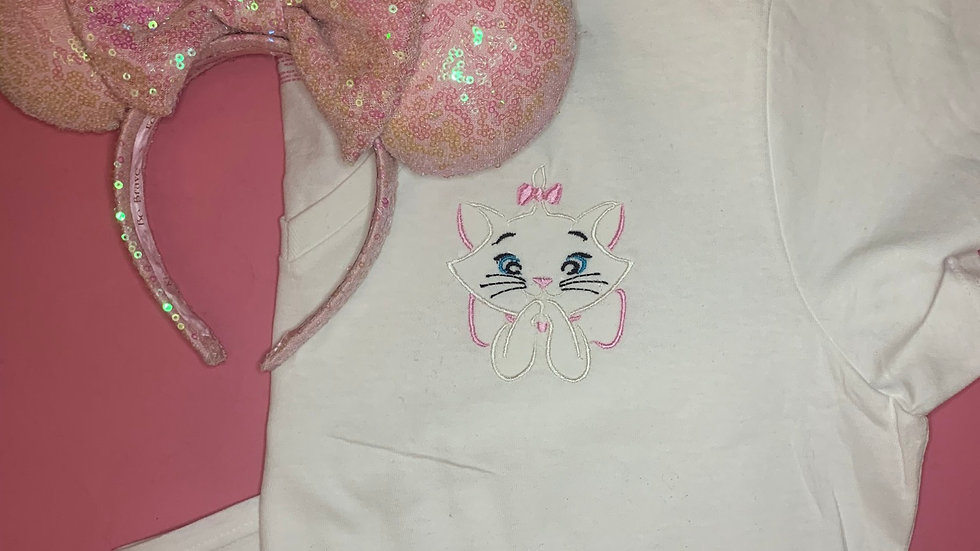 Marie embroidered t-shirt or tan