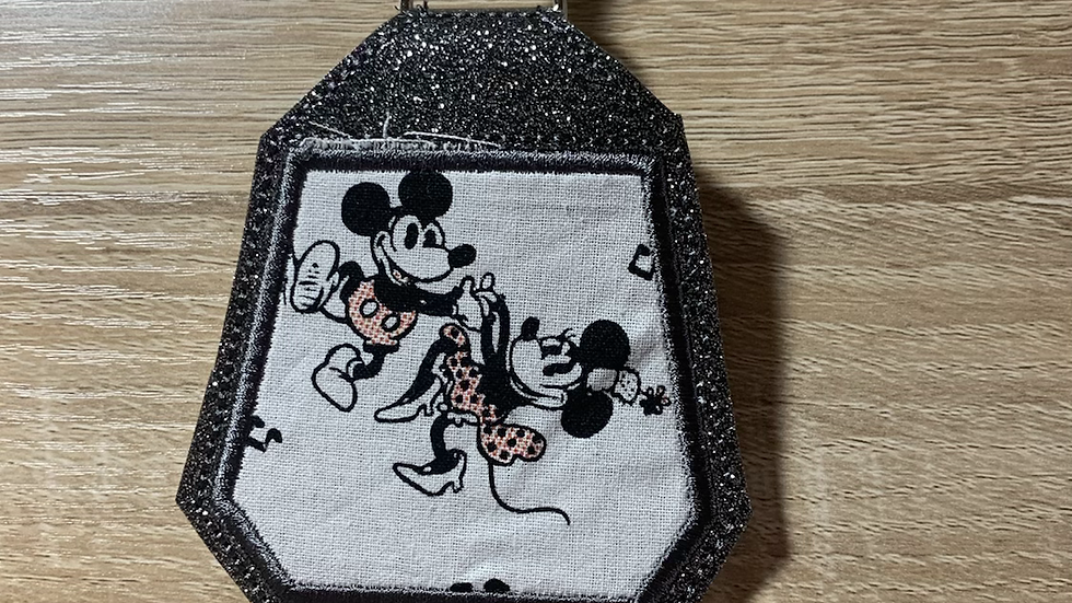 Minnie and Mickey Headphone Holder/ Airpod Holder Keychain