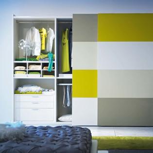 mobistella_wardrobe_bright_colour_with_a