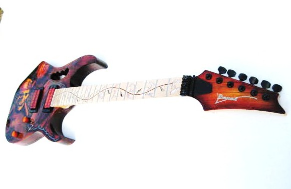 Guitar-Greg-Cassell-Ibanez-Pirate-Skull-crossbones-jolly-roger-2