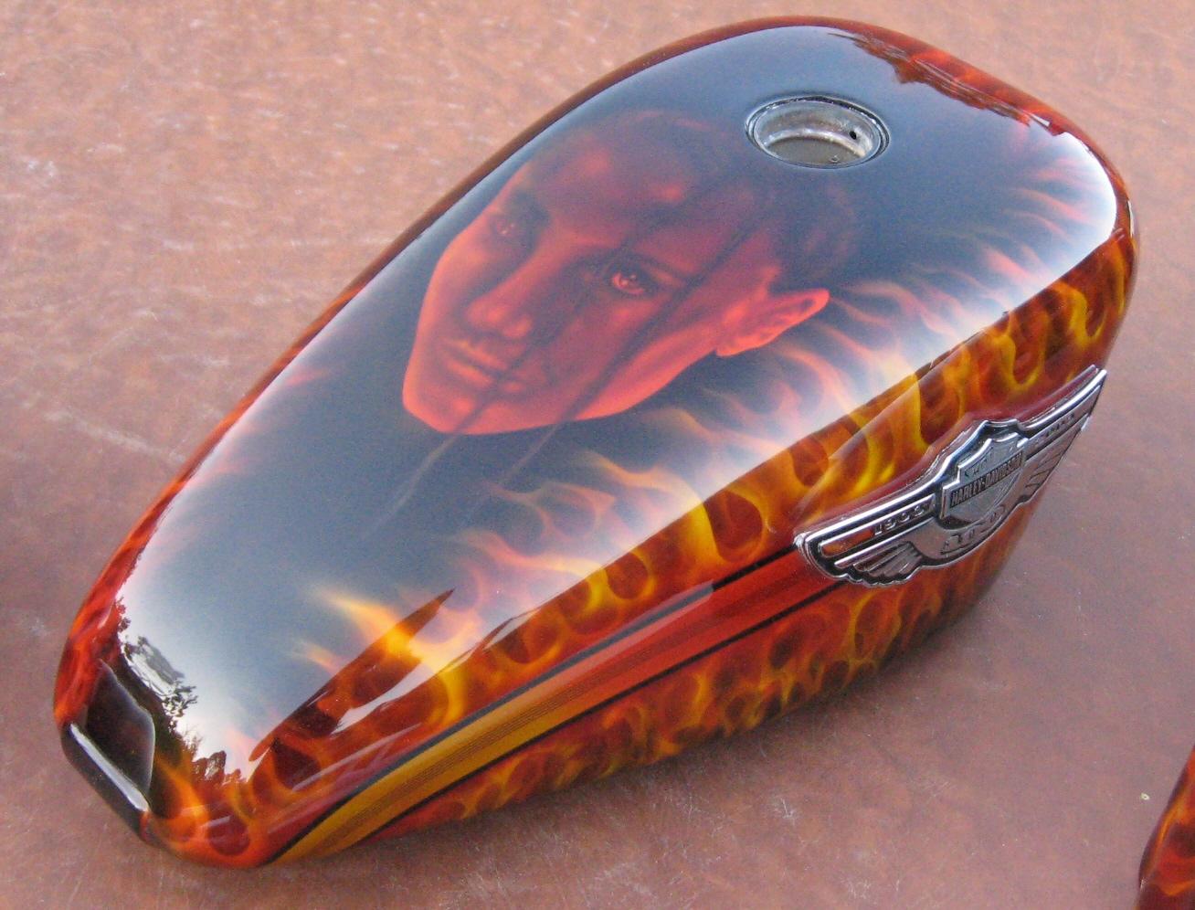 Harley-Davidson-Fantasy-Flames-Gas-tank