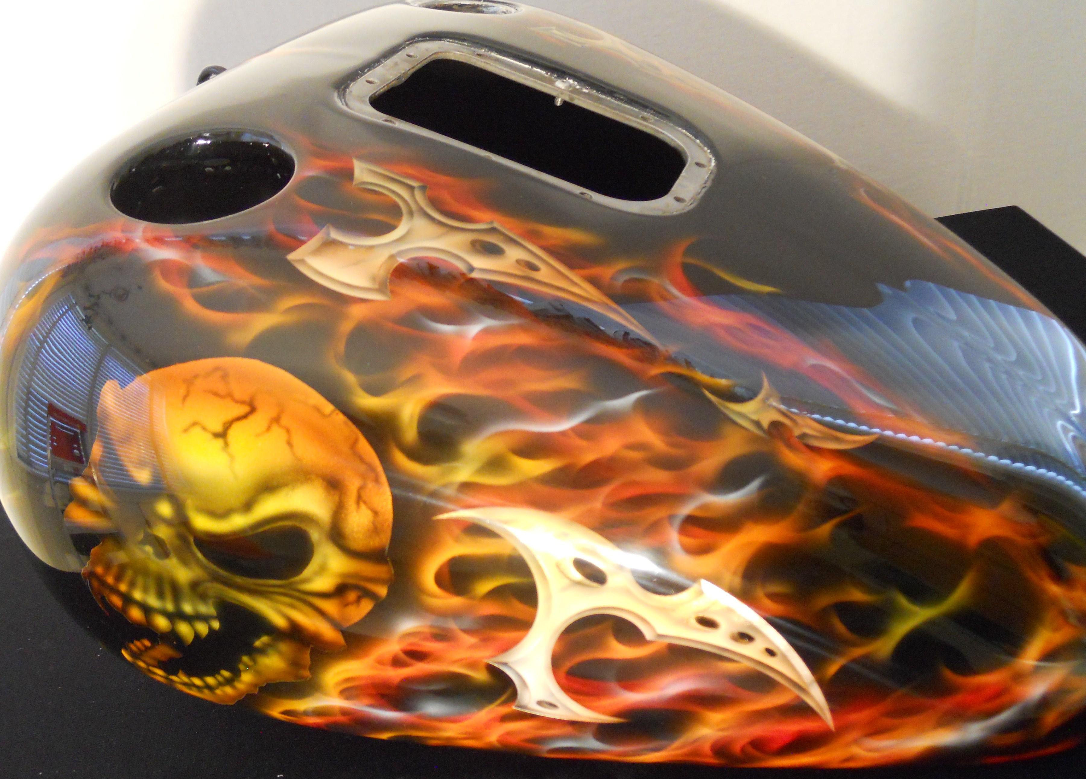 Harley-Davidson-True-Flames-Skull-TribalGastank-Gas-tank