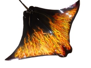 Stingray-cow-raw-fiberglass-half-mount-true-flames-airbrush-txidrmy-auomotive-pain-fishmount