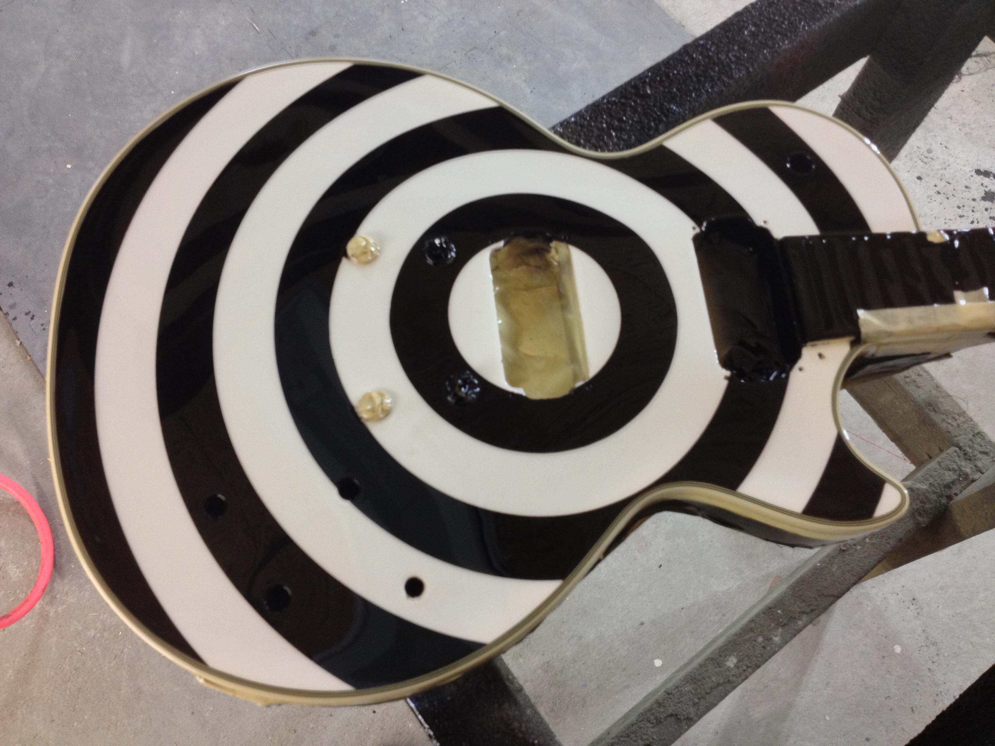Guitar-Greg-Cassell-Zakk-Wylde-black-white-Replica-Epiphone (4)