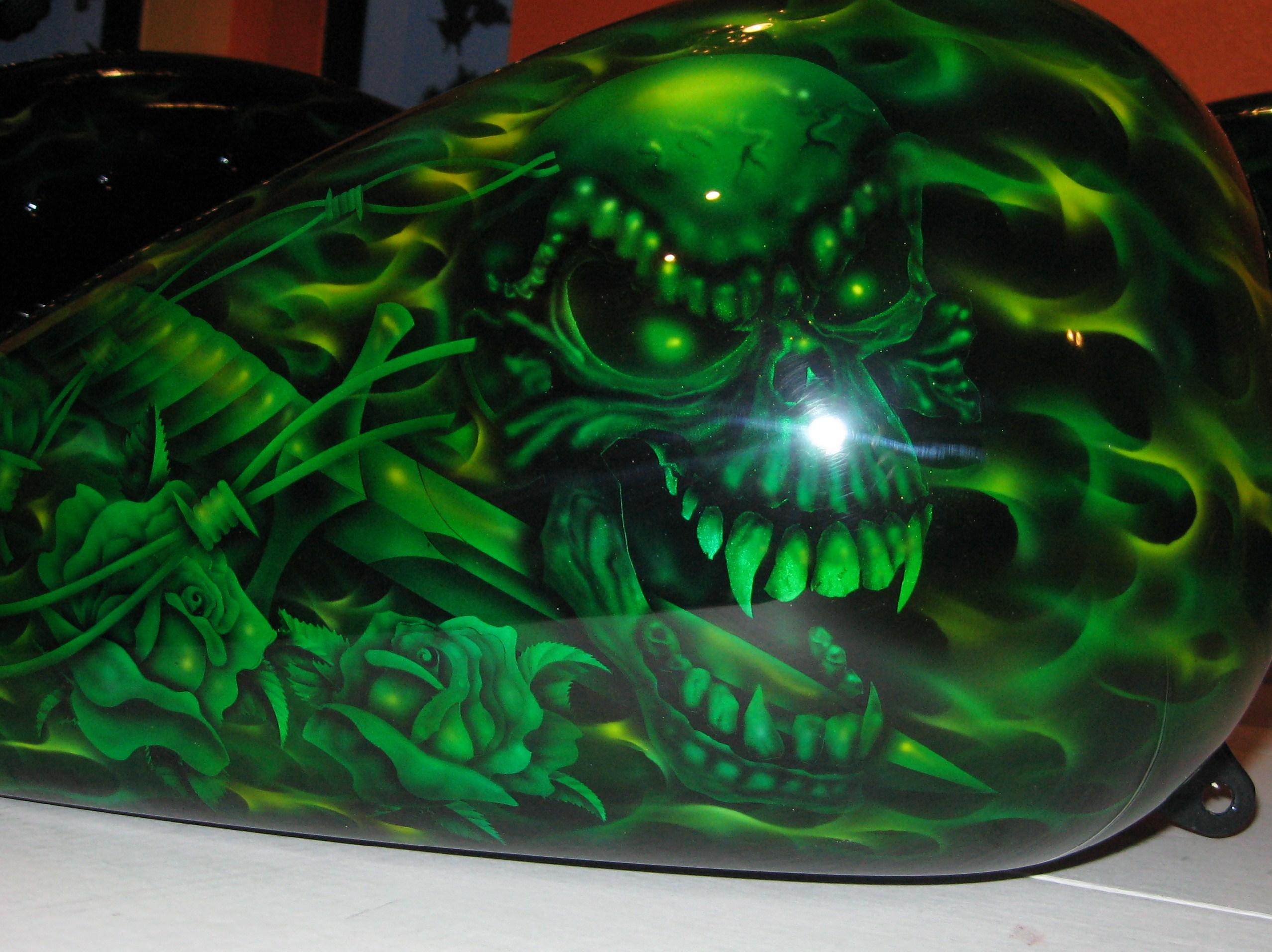 Harley-Davidson-Green-Toxic-Flames-Tribal-Skull-Gastank-Gas-Tank