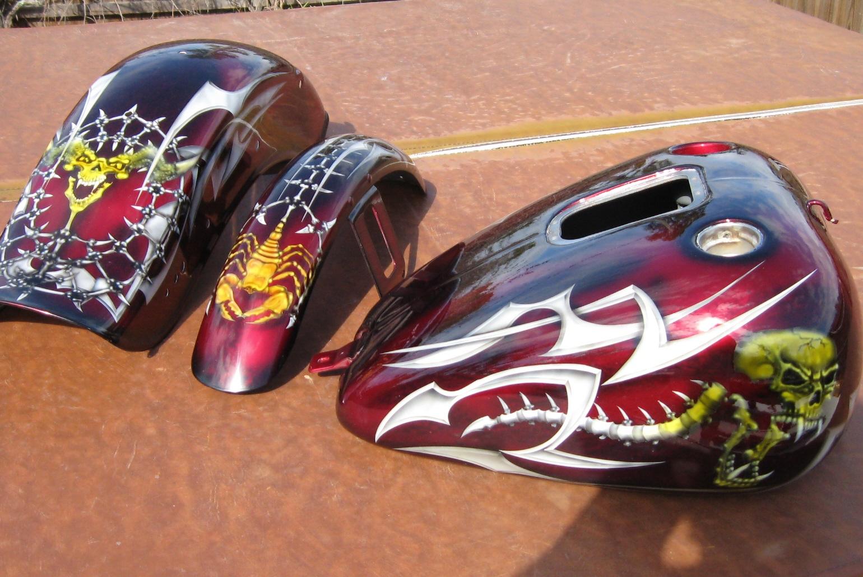 Harley-Davidson-Kandy-Skull-Tribal-Gastank-Fenders