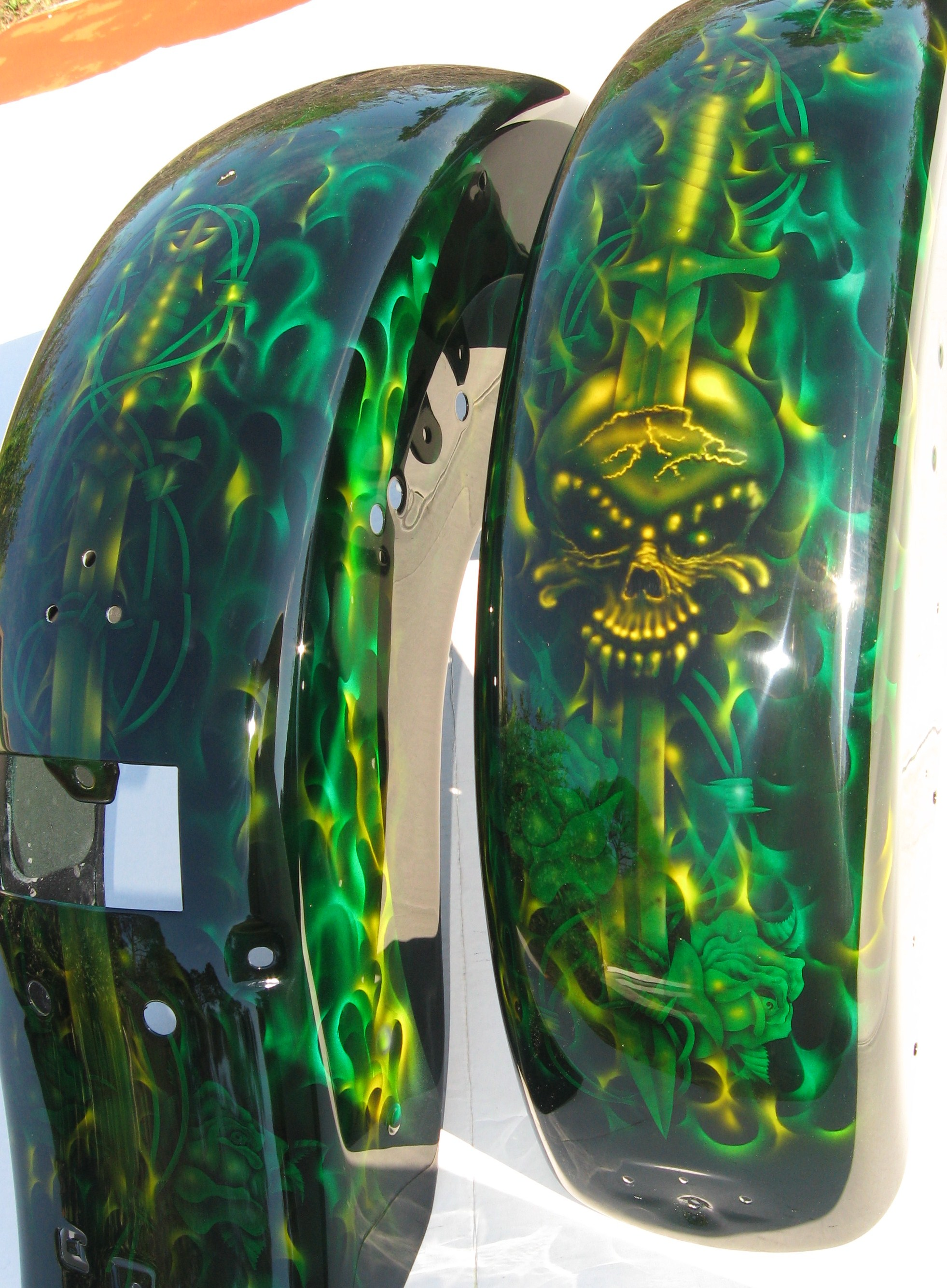Harley-Davidson-Green-toxic-Flame-Skull-Sword-Fenders