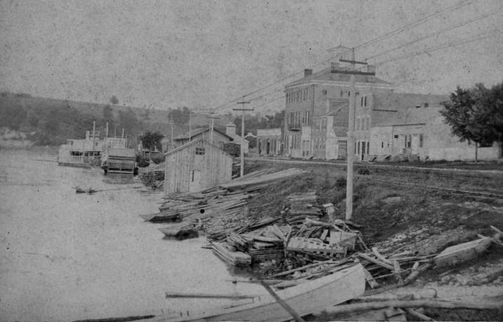 HOTEL RIVERFRONT 1870S.jpg