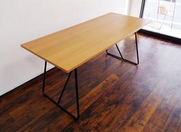 折り畳み木製テーブル