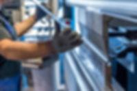 Produktionsprozess Optimierung dank Motion-Mining Technologie. Production process optimization thanks to motion mining technology.