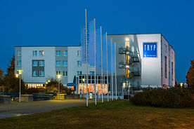 Außenansicht des Hotels TRYP in Dortmund.jpg