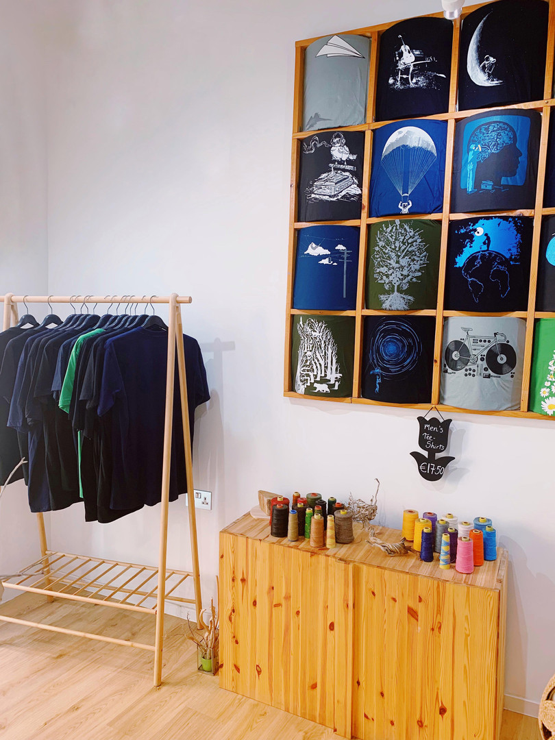 handmade jewelry and tshirt shop in sliema