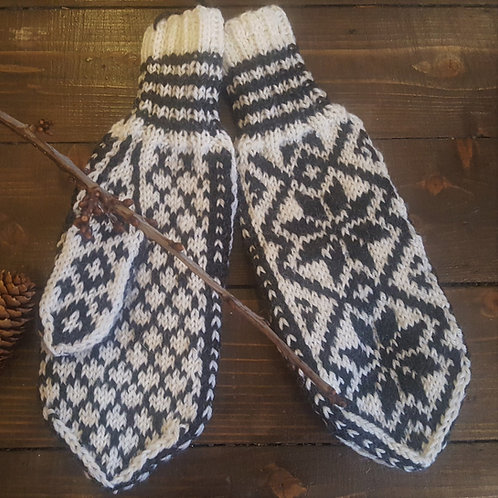 """Granny's knitomania - """"Selbuvotter"""" from Norway"""