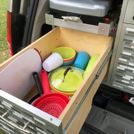 Grand tiroir a vaisselle