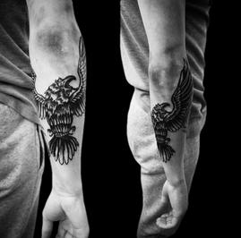 tattoo-02-00-black.png