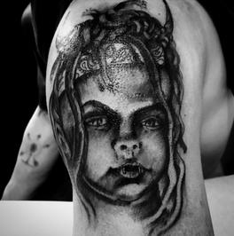 tattoo-24-00-black.png