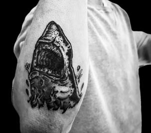 tattoo-17-00-black.png