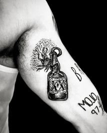 tattoo-26-00-black.png
