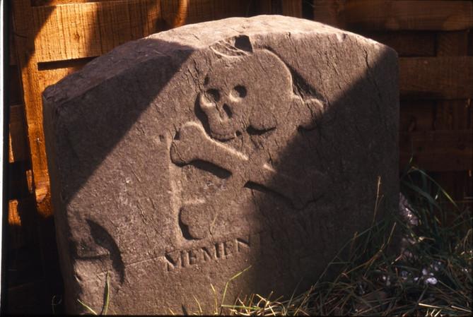 186:13Headstone:  'Memento Mori' 18/9/87