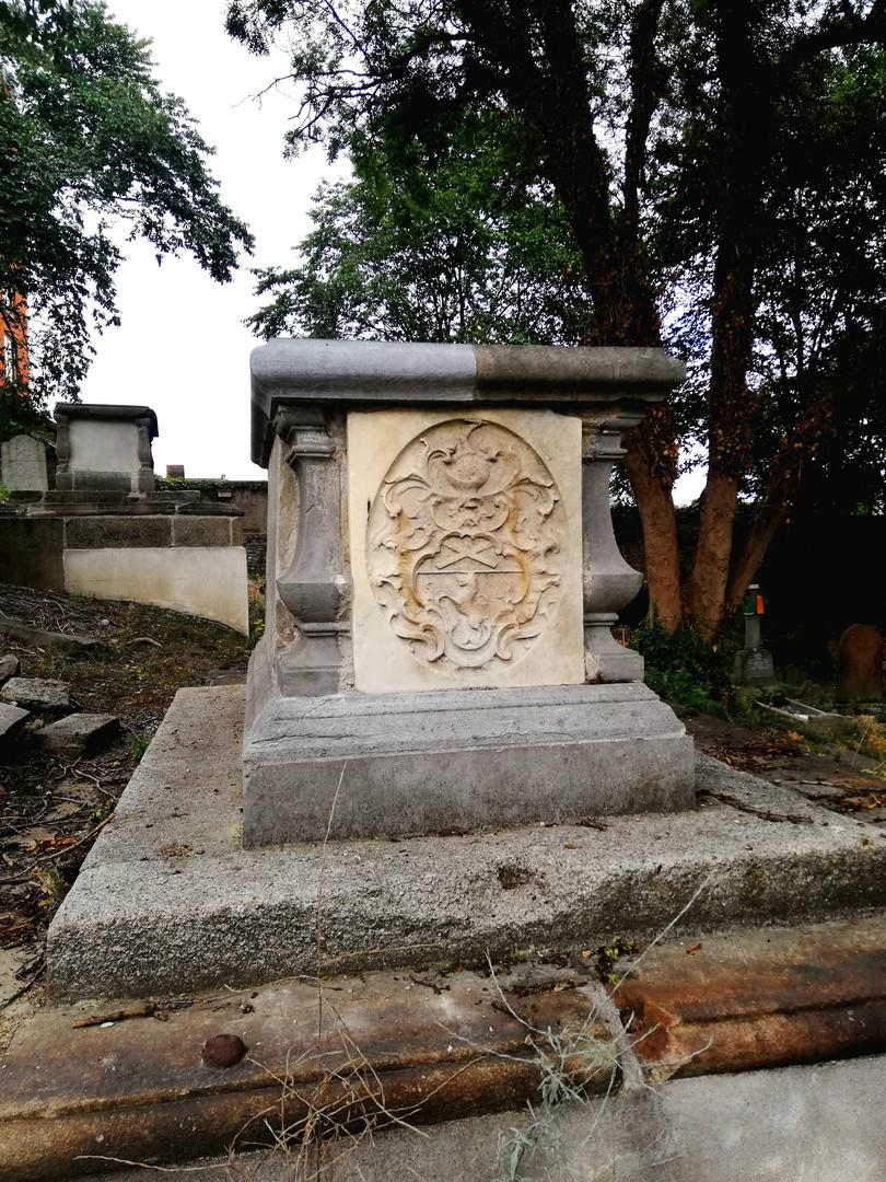 Chest Tomb