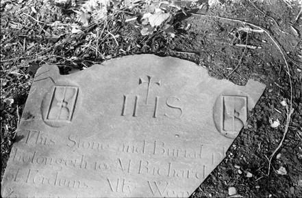 Broken headstone: Richard … of Fordums Ally  Weav[ers' Square?]