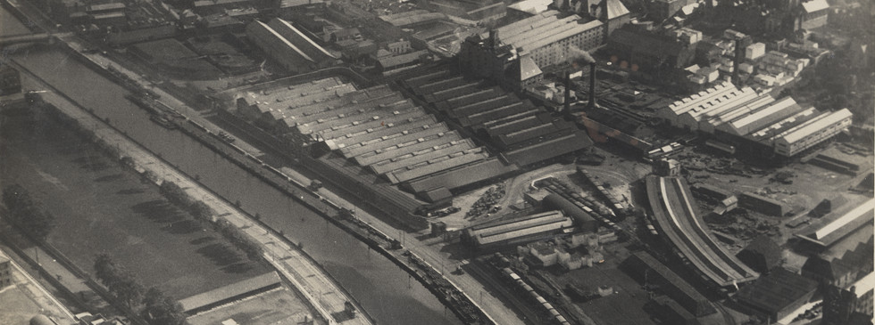Aerial photograph of St. James's Gate Brewery looking south east, c. 1925