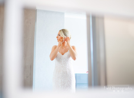 How to Achieve Natural and Candid Photographs on Your Wedding Day