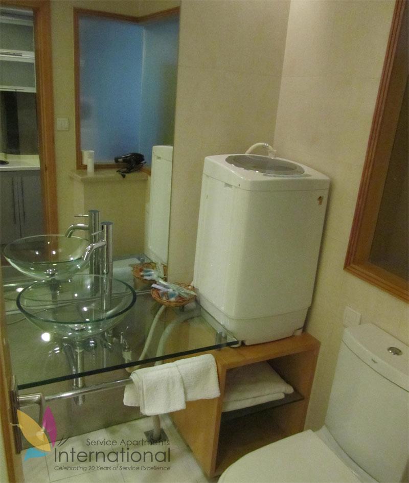 复式商务双床房洗手间