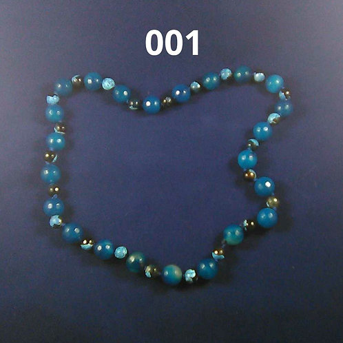 Blue Agage necklace. Hand knotted
