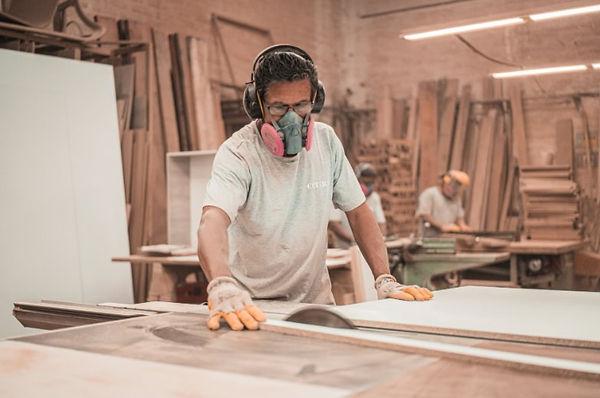el mejor carpintero barcelona.jpg