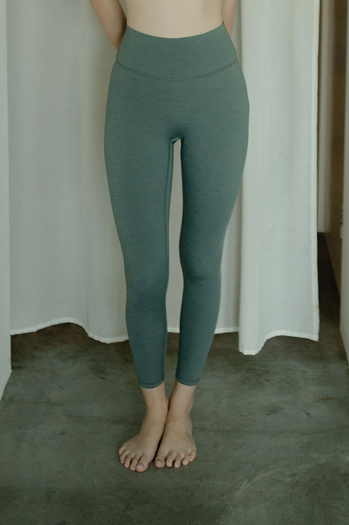 Avid Heather Performance Tights - Balsam Green