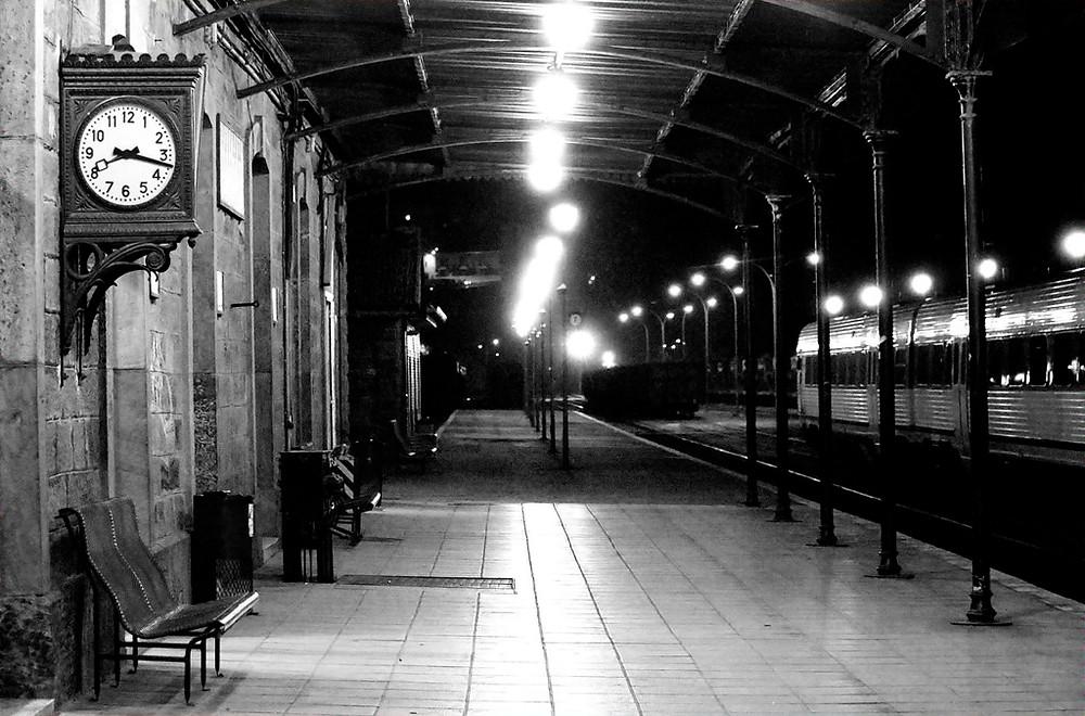 Antigua estación de tren vacia
