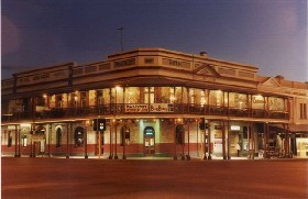 Iconic Palace Hotel, Kalgoorlie. (Sources: Australian Golden Outback.
