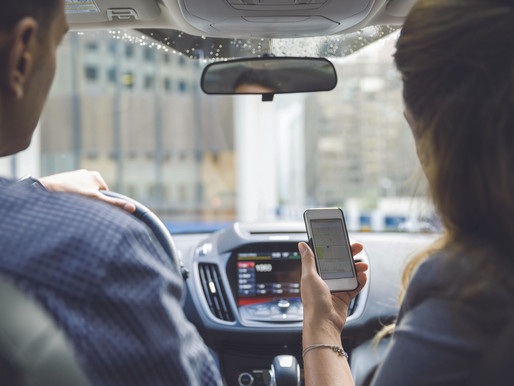 5 convenient tech features you want in your vehicle