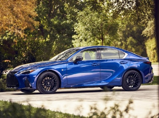 Lexus makes new IS sharper