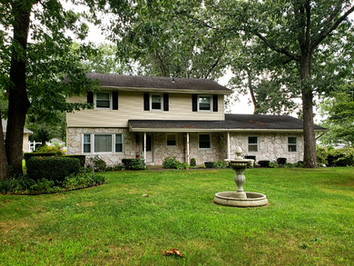 Large home on Fernwood Drive
