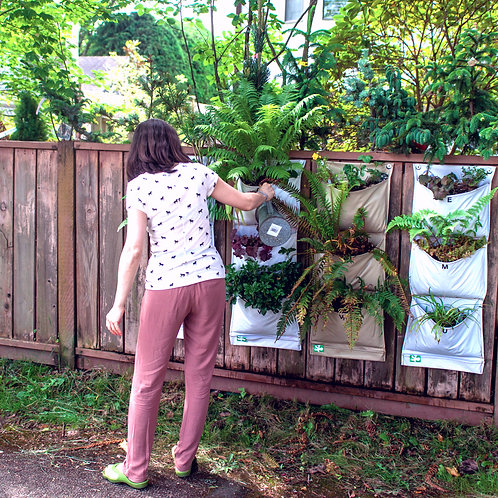 12-Pocket Fence Garden