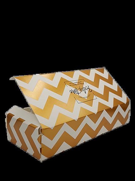 กล่องใส่ขนมสีขาวทอง 5ชิ้น22x9cm สูง4.5 cm