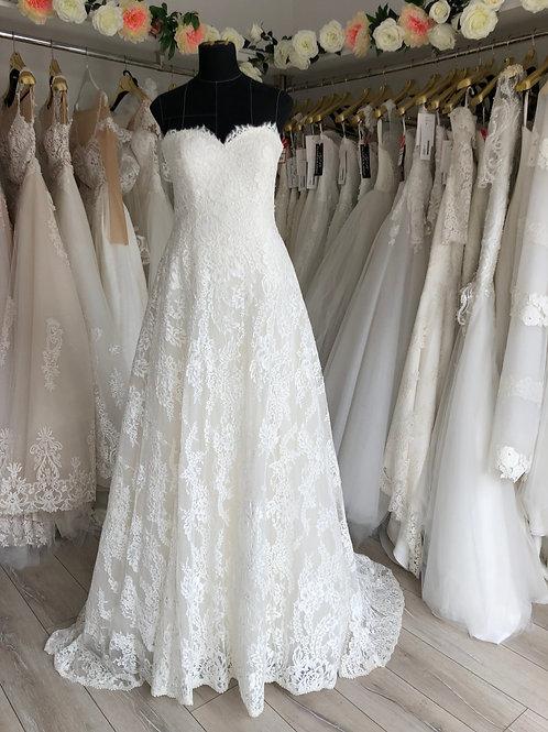 Wedding dress  full lace , size 10